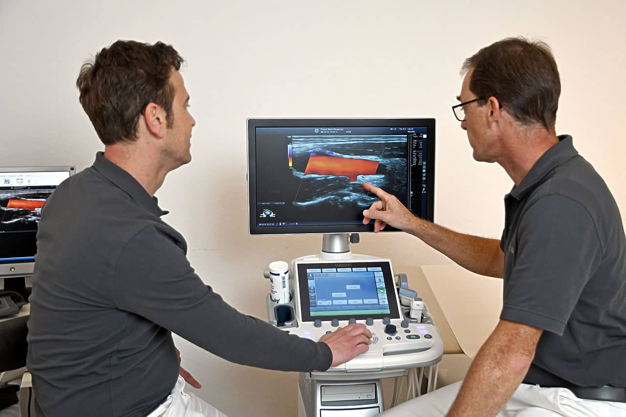 am Monitor: Dr. J. Maier und Dr. M. Rauscher